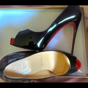 Christian Louboutin So Kate Heels size 37 unworn
